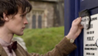 matt-smith-recognises-the-tardis-sign