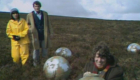 tom-baker-fourth-sarah-jane-smith-ian-sullivan-on-the-moors-with-refractor-balls-sontaran-experiment-doctor-who-back-when